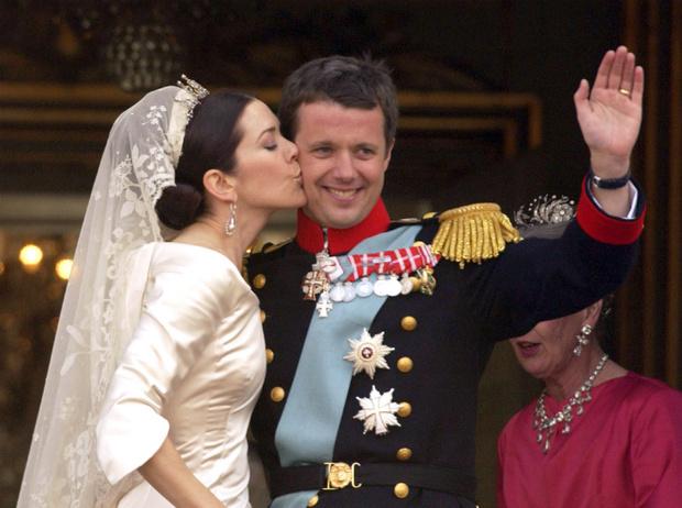 Фото №4 - Принцы, которые выбрали любовь: современные королевские мезальянсы