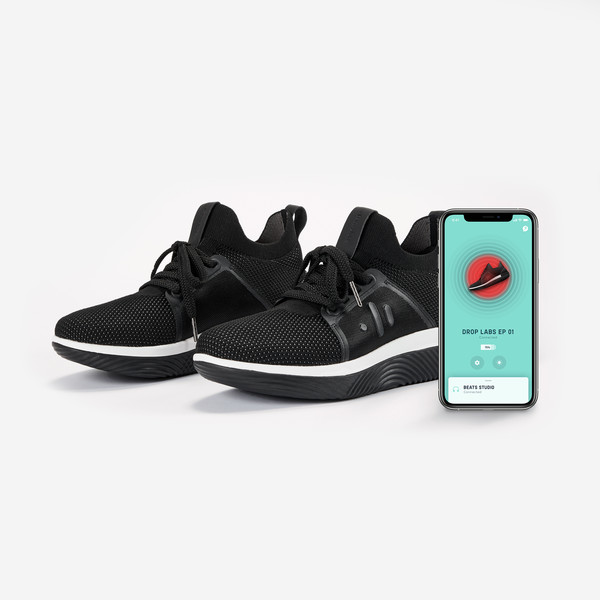 Фото №1 - Хочу-хочу-хочу:изобретены кроссовки, вибрирующие в такт музыке