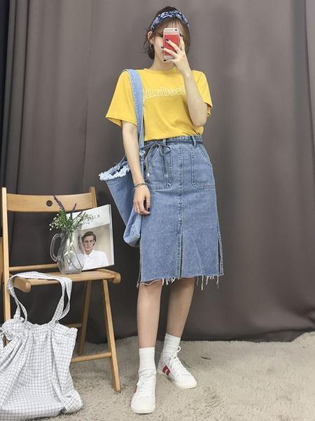 Фото №2 - С чем носить джинсовую юбку миди: 10 модных идей