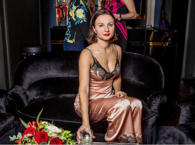 Фото №5 - Звезды и редакция Marie Claire на девичнике в бутике Agent Provocateur