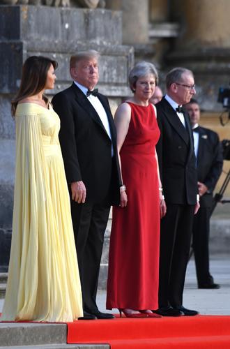 Фото №18 - Тереза Мэй: модная дипломатия и уникальный стиль главы Великобритании