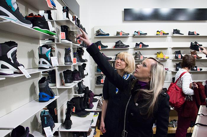 Фото №1 - Мария Бутырская проверила ботинки на прочность