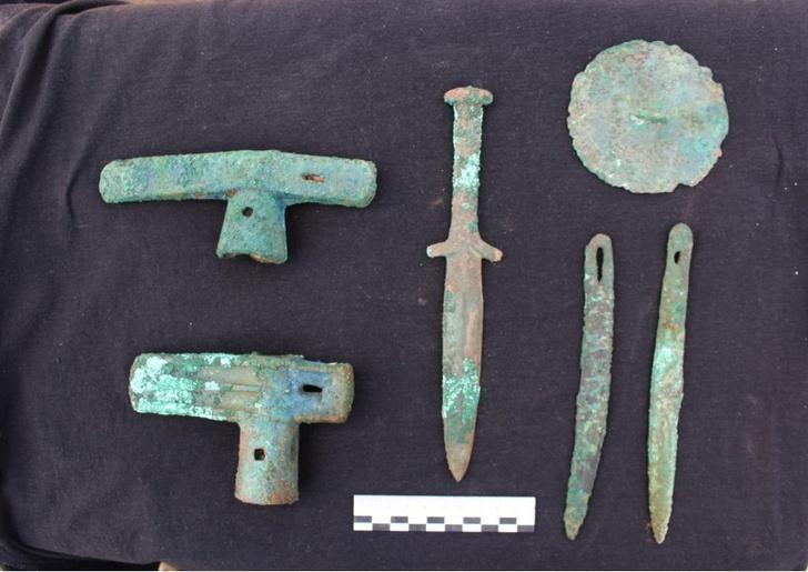 Фото №1 - В Хакасии найден нетронутый могильник скифского времени