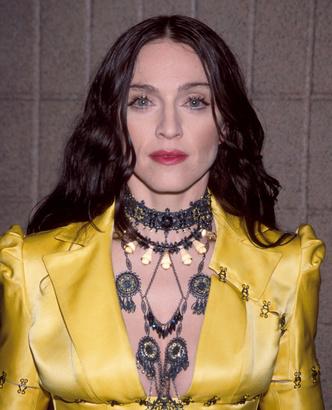 Фото №7 - «Лисьи глазки» и диета «Инь и Ян»: как Мадонна увлеклась пластикой и стала выглядеть героиней аниме