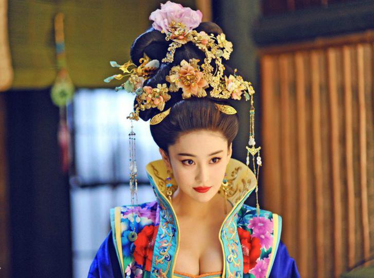 Фото №10 - Через интриги к власти: история У Цзэтянь— наложницы, ставшей императором Китая