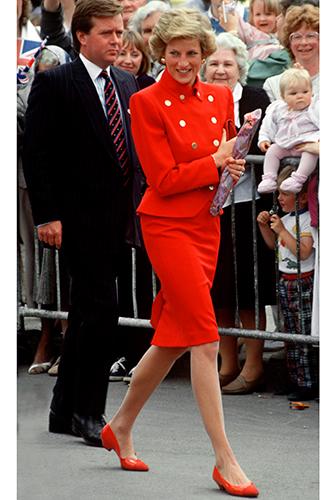 Фото №54 - 60 красных нарядов: как принцесса Диана носила любимый цвет