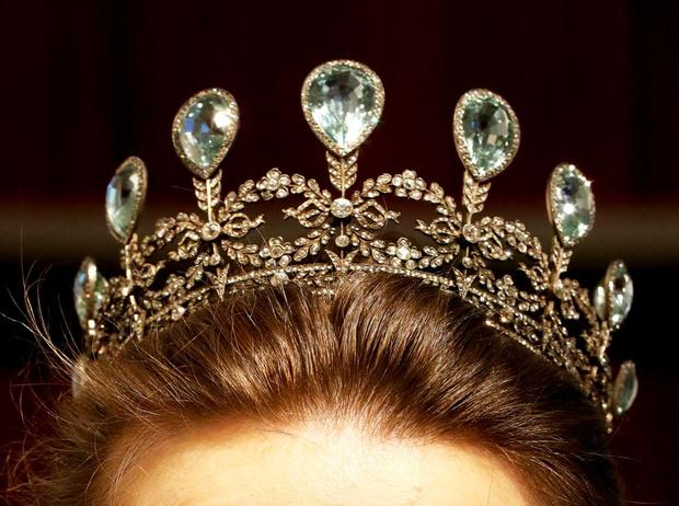 Фото №3 - Драгоценные камни монарших особ: редкие экземпляры аукциона Christie's