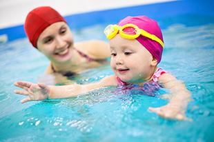 Фото №7 - Аксессуары для грудничкового плавания: что взять с собой в бассейн?