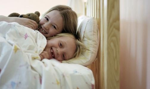 Фото №1 - Роспотребнадзор назвал нормы ночного сна для школьников