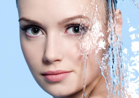 Фото №1 - Увлажнение кожи лица: по всем правилам