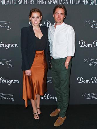 Принцесса Беатрис с мужем Эдоардо Мапелли Моцци на выставке Ленни Кравица, 2019 год