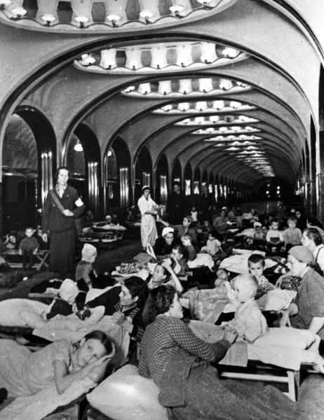 Фото №8 - Этот День Победы: как советский народ жил, любил и ждал все 1418 дней войны