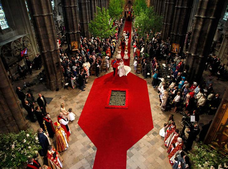 Фото №4 - Какой будет свадьба Гарри и Меган: прогноз звездного организатора