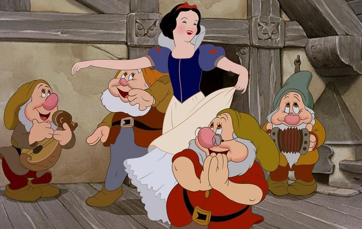 Фото №5 - 11 ремейков диснеевских мультфильмов, которые выйдут после «Круэллы» 🎬