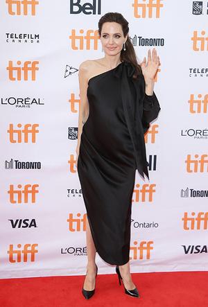 Фото №3 - Почему Анджелина Джоли — снова икона стиля, или Что такое luxe purism