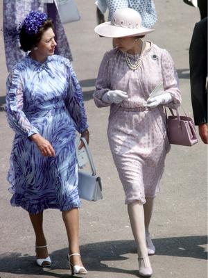 Фото №5 - Гламурная принцесса: как Маргарет проводила свой обычный день (спойлер— весьма богемно)