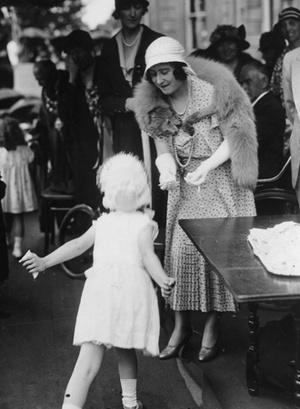Фото №10 - Улыбчивая королева: 8 самых любопытных фактов о прабабушке принца Уильяма