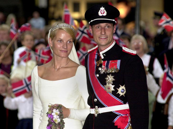Фото №6 - Первый танец: какие песни выбирали для свадьбы королевские пары