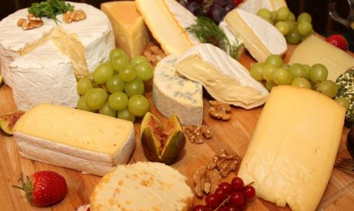 Фото №1 - Роспотребнадзор: качественный сыр дешевым не бывает