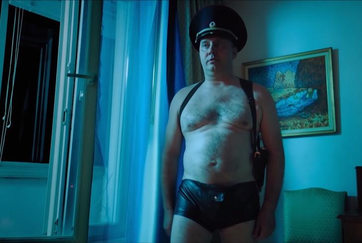Фото №1 - Топ самых смешных моментов с Буруновым в сериале «Полицейский с Рублевки»— в одном видео