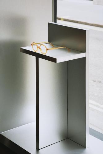 Фото №8 - Бутик оптики с винтажной мебелью в Лондоне