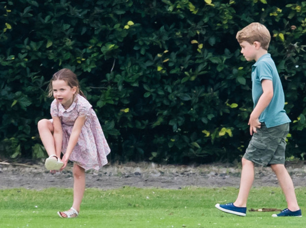 Фото №2 - Такие разные дети: правда об отношениях принца Джорджа и принцессы Шарлотты