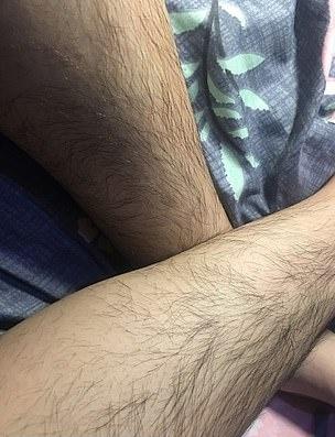 Фото №1 - Месть пушистых: китаянки устроили конкурс на самые волосатые ноги