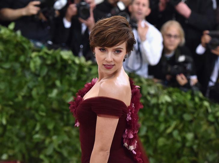 Фото №1 - Почему платье Скарлетт Йоханссон на Met Gala оказалось самым рискованным