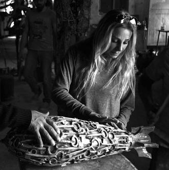 Фото №2 - Художник Катя Трабулси и ее арт-объекты в виде снарядов