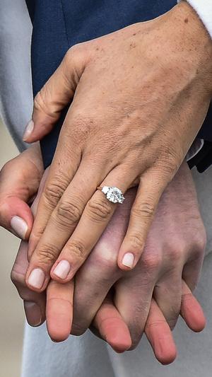 Фото №3 - Чужой дизайн: чье украшение копирует помолвочное кольцо Меган