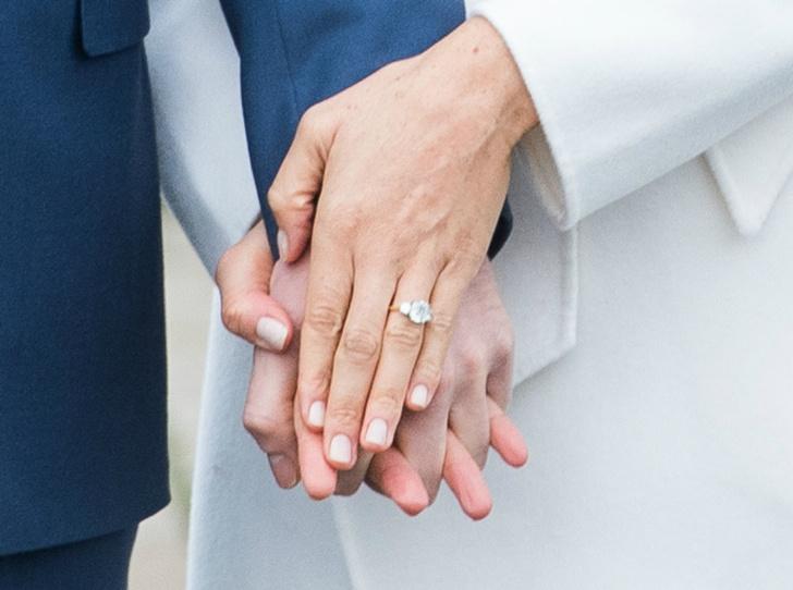 Фото №2 - Герцогиня Меган изменила дизайн помолвочного кольца