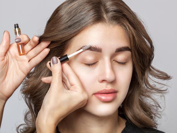 Фото №3 - Полный гид по макияжу бровей: средства, техники и частые ошибки