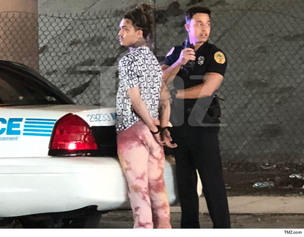 Фото №1 - За что арестовали рэпера Lil Pump?
