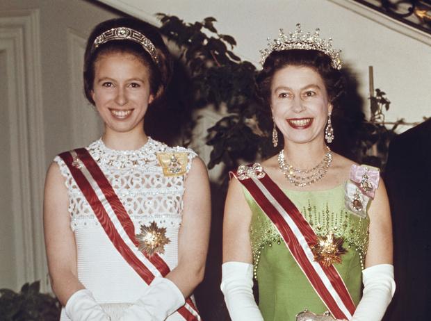 Фото №9 - Какой матерью Елизавета II была для своих детей