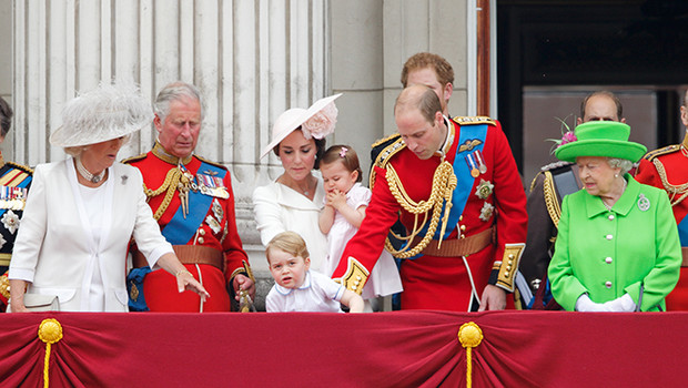 Фото №10 - Принцесса Шарлотта и принц Джордж стали главными героями «балконного шоу»