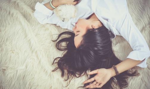 Фото №1 - Эксперт ВОЗ объяснил, как качественный сон спасает от стресса