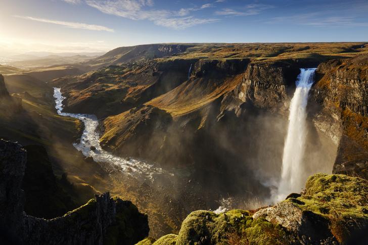 Фото №1 - Можно ли Исландию назвать ледяной, а Гренландию— зеленой?