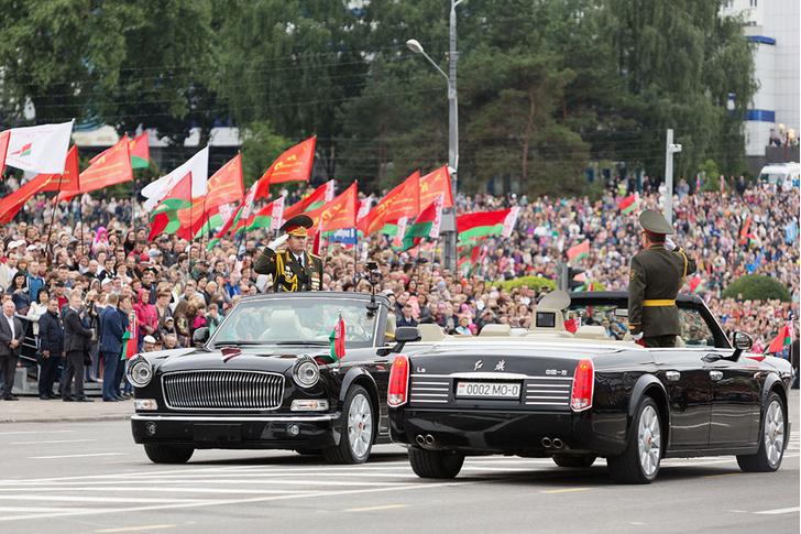 Фото №2 - Как белорусы у китайцев парадный автомобиль купили
