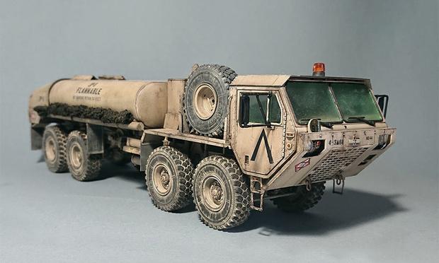 Фото №1 - Потрясающие военные (и не только) модельки техники от российского моделиста