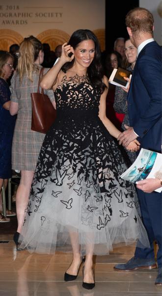 Фото №21 - Лучшие образы Меган Маркл за первый год в королевской семье