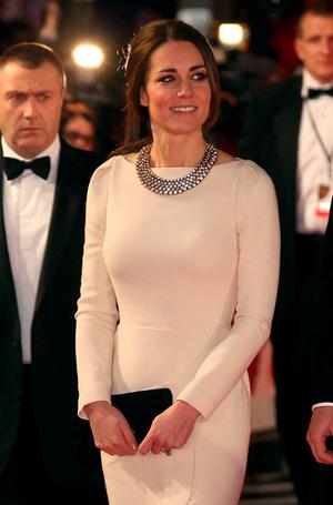 Фото №26 - Суровые уроки стиля, которые Кейт Миддлтон усвоила в браке с принцем Уильямом