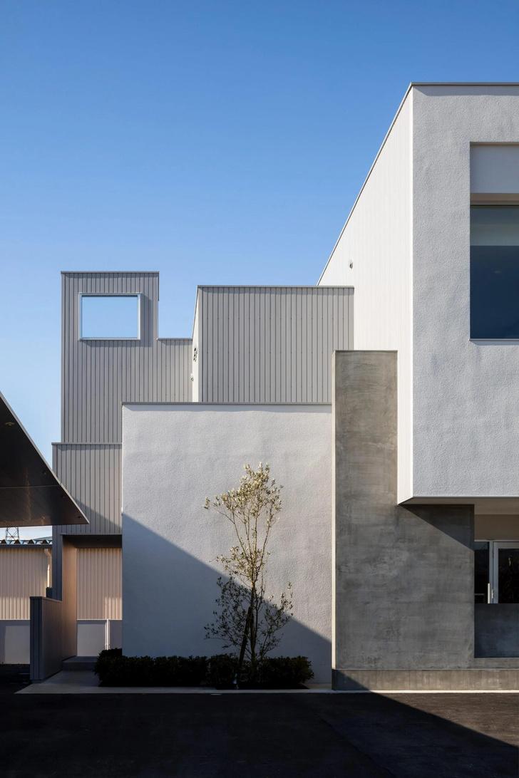 Фото №2 - Жилье и парикмахерская под одной крышей: кубизм в проекте японской студии