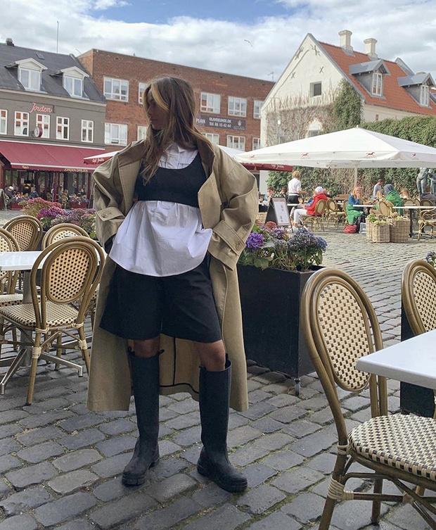 Фото №12 - С чем носить резиновые сапоги: показывают шведские и датские блогеры