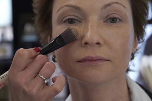 Фото №6 - Как сделать дневной макияж: мастер-класс Bobbi Brown