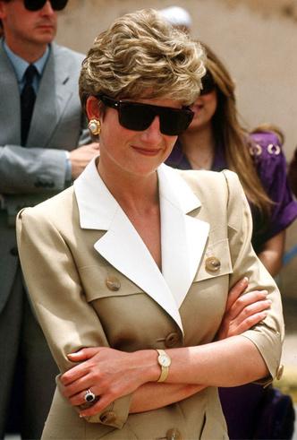 Фото №17 - Любимые солнцезащитные очки принцессы Дианы