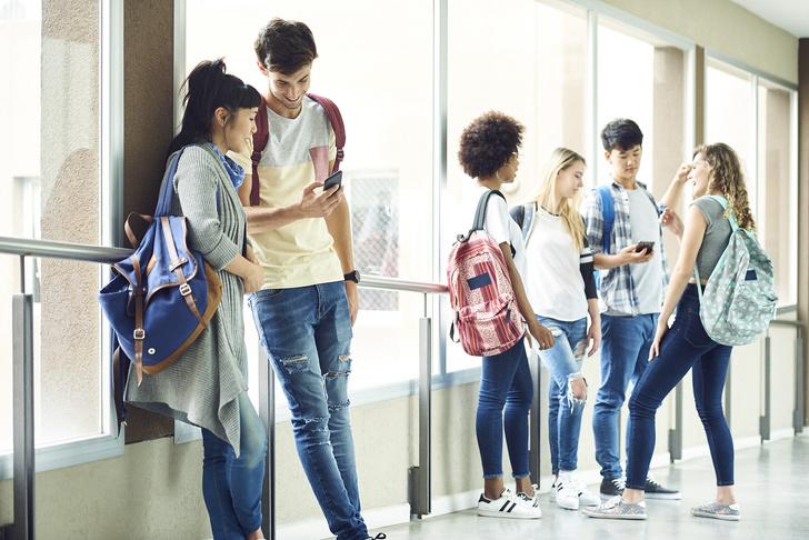 Фото №7 - Ты же леди: правила этикета, о которых нужно помнить в школе