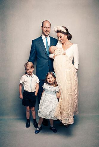 Фото №5 - Кэрол Миддлтон приобщает внуков Джорджа и Шарлотту к семейному делу