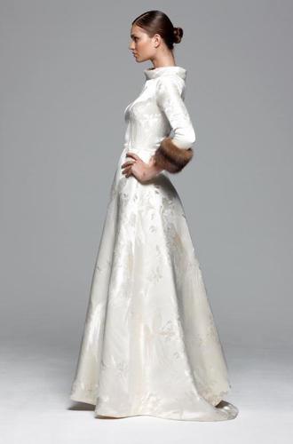 Фото №9 - Концепция дизайна свадебного платья Меган Маркл меняется в угоду Королеве