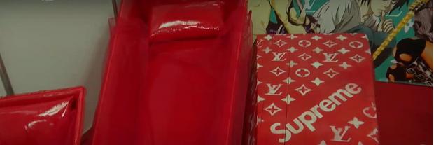 Фото №4 - Гробы в виде шоколадки Milka, Ferrari или бутылки Jack Daniel's: как будут выглядеть похороны в недалеком будущем