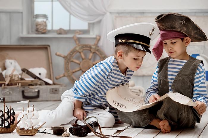 Фото №1 - Настольные игры для мальчишек: чем увлечь непоседу дома